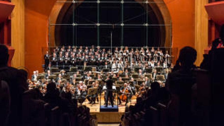 La Orquesta Filarmónica prosigue con la devolución de las entradas