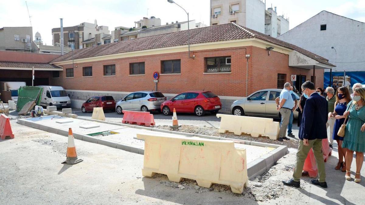 Más espacio para el peatón en Cabezo de Torres al colocar contenedores soterrados