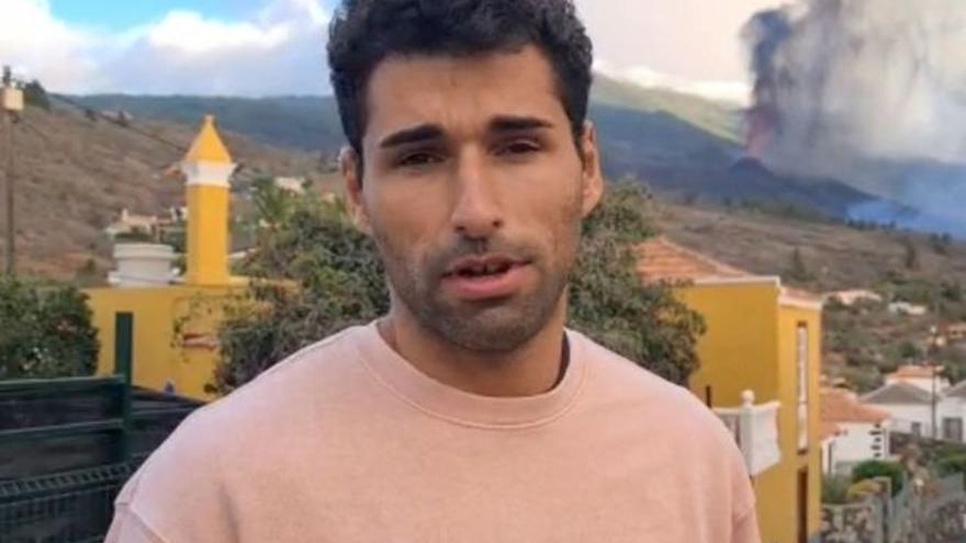 """El atleta olímpico Samuel García ante el volcán de La Palma: """"Hay mucha gente que lo ha perdido todo"""""""