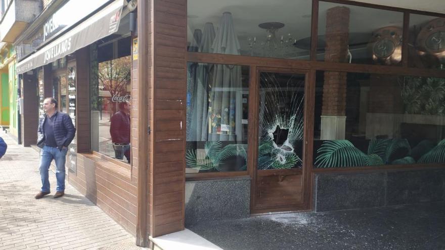 Atracos en estado de alerta: Asaltan una farmacia en El Berrón y una cafetería en Mieres