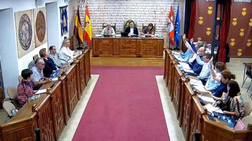 PSOE e IU elevan una moción al Pleno de Benavente para instar a la Junta al cierre de prostíbulos