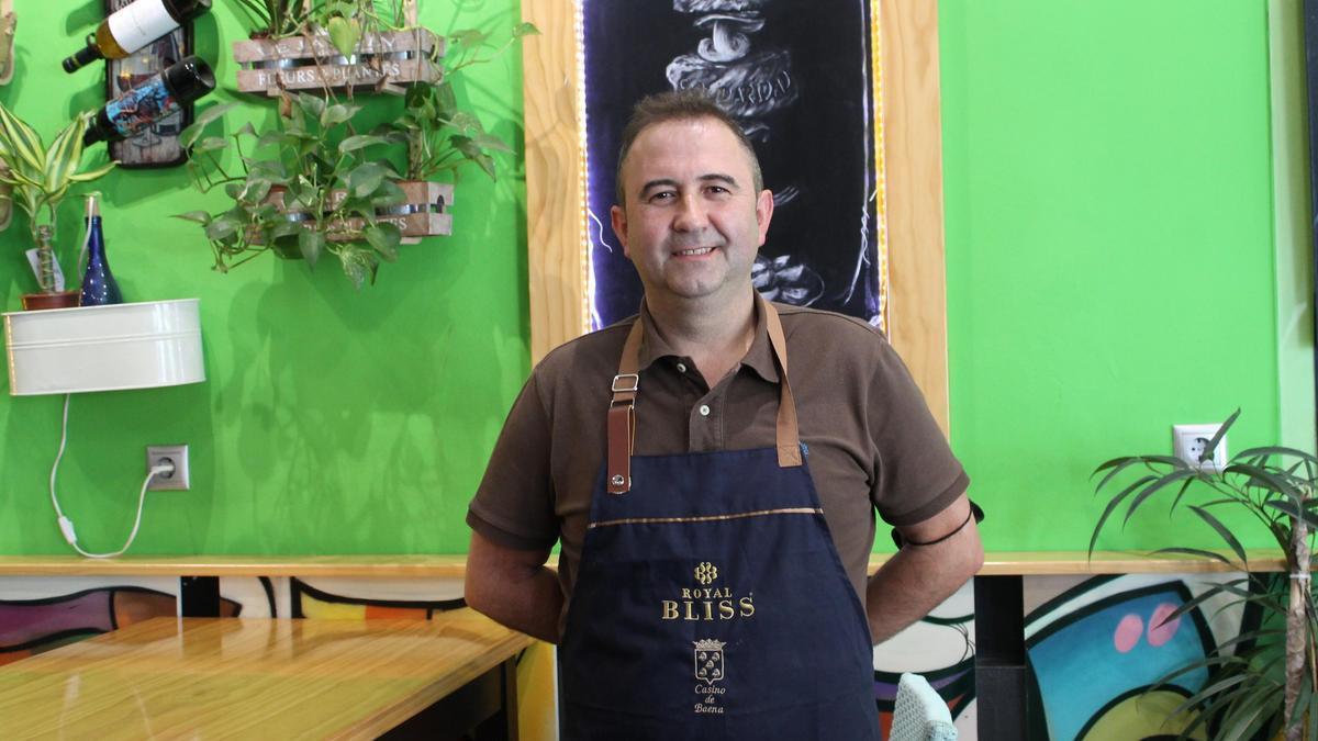 Teo Espartero Pérez, gerente del Bar-Restaurante Picoteo.