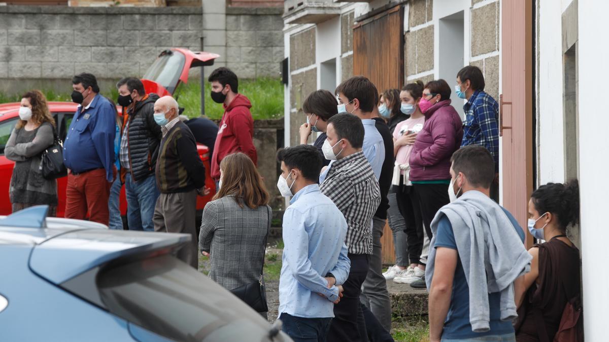 Funeral de Lorena Pérez Feito, la joven fallecida el sábado en un accidente en Tineo