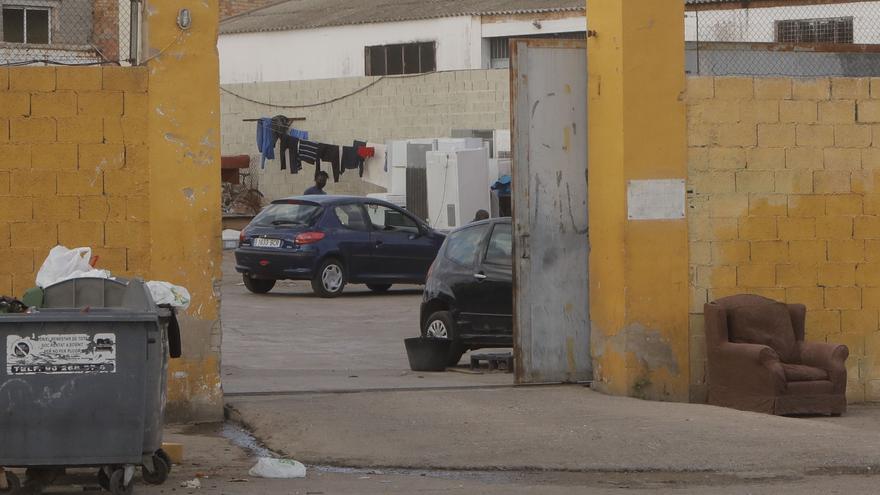 Los contagios superan la treintena en el albergue de migrantes de Sagunt