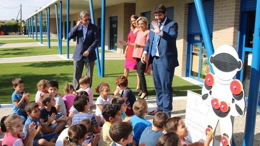 3.000 plazas de profesores en tres años
