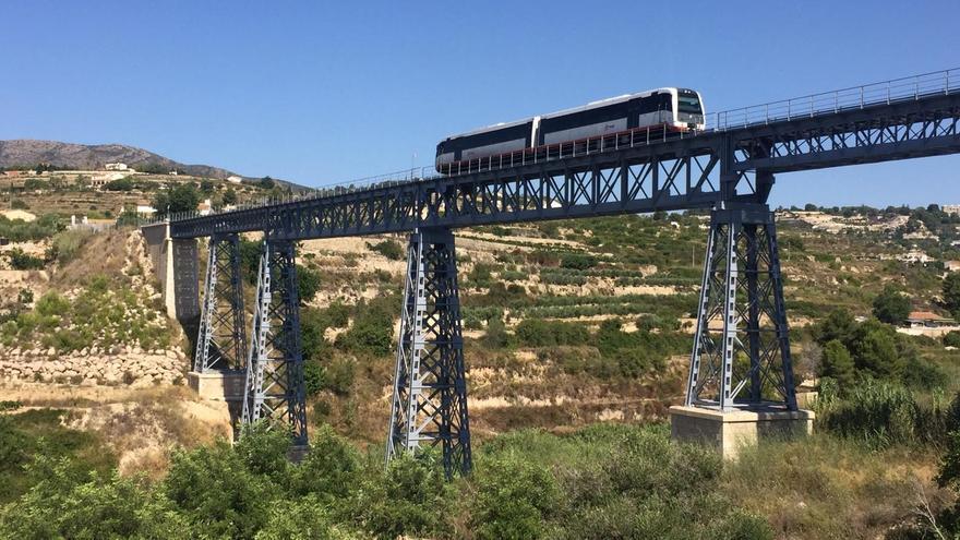 Los sindicatos alertan de las frecuentes averías de los trenes de la línea Benidorm-Dénia