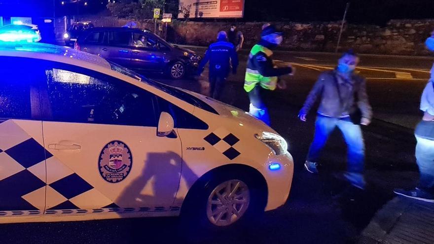 Despliegue policial y sanitario en el centro de Vilagarcía
