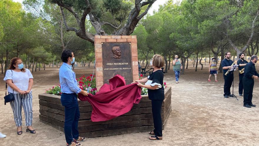 Emotivo homenaje y reconocimiento al exconcejal Eduardo Gil Rebollo en Torrevieja
