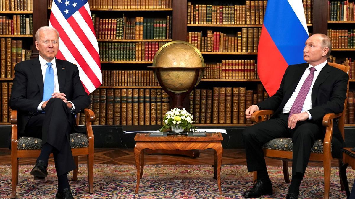El presidente de Estados Unidos, Joe Biden, y el presidente de Rusia, Vladímir Putin, se reúnen con motivo de la cumbre entre Estados Unidos y Rusia en Ginebra