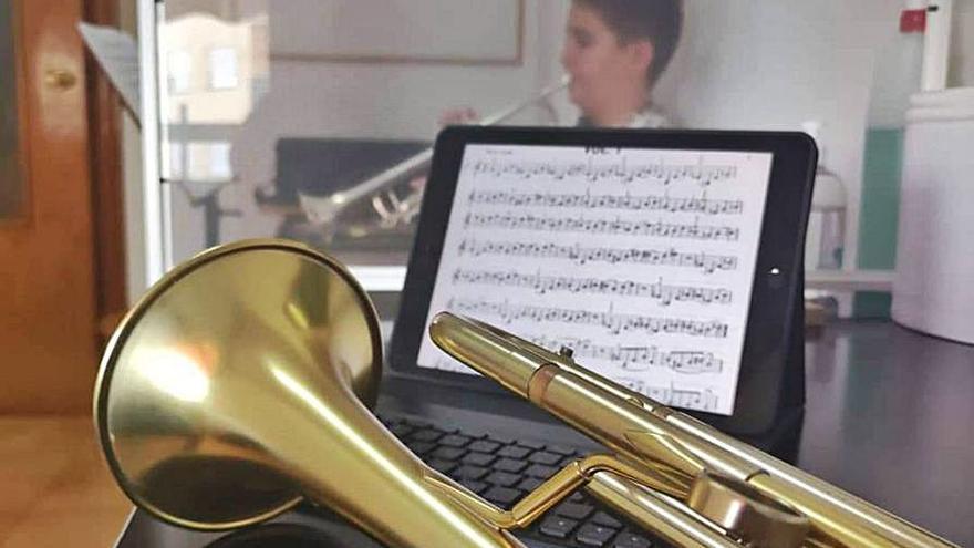 Torna la música a les aules