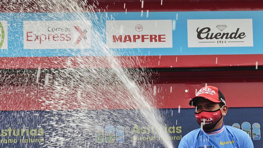 Nairo revive en el Principado: El ciclista colombiano puso fin en Asturias a 400 días sin victorias