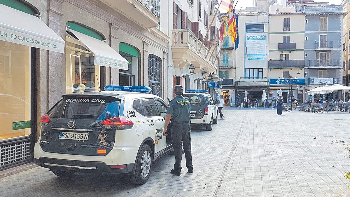 La Guardia Civil, que detuvo al propietario y a los compinches de la víctima, en Inca