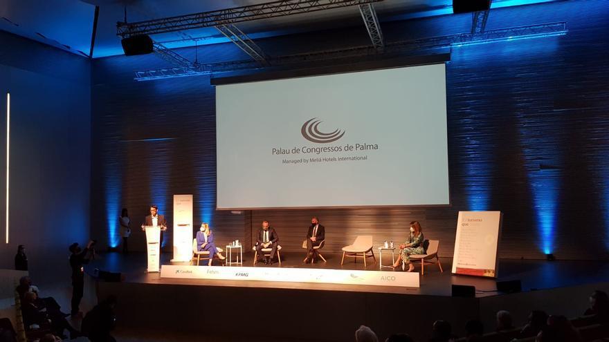 """Así fue la presentación del libro """"El Turismo que viene"""" en el Palacio de Congresos de Palma"""