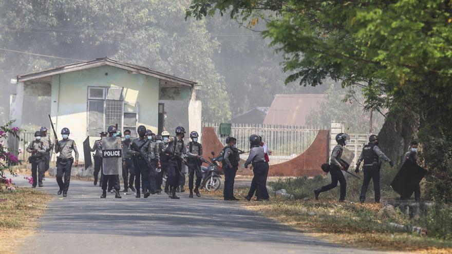 Dos nuevos muertos en Birmania por la represión policial