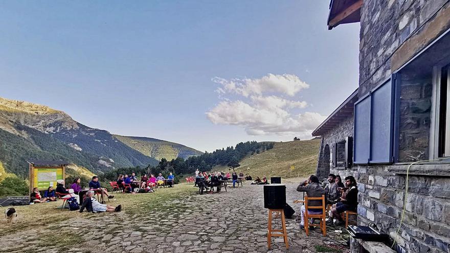 Los refugios de montaña cierran el verano con  un lleno total