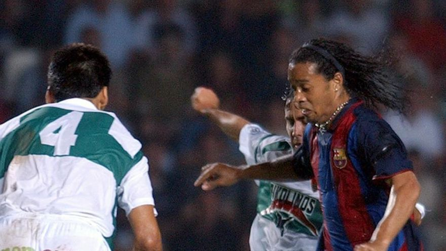 El debut de Ronaldinho en Elche