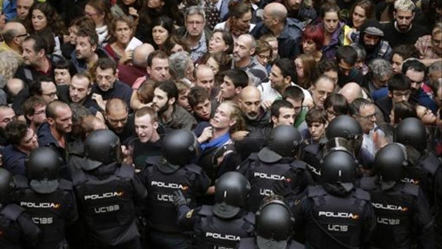 La justicia europea desestima dos recursos por la actuación policial del 1-O