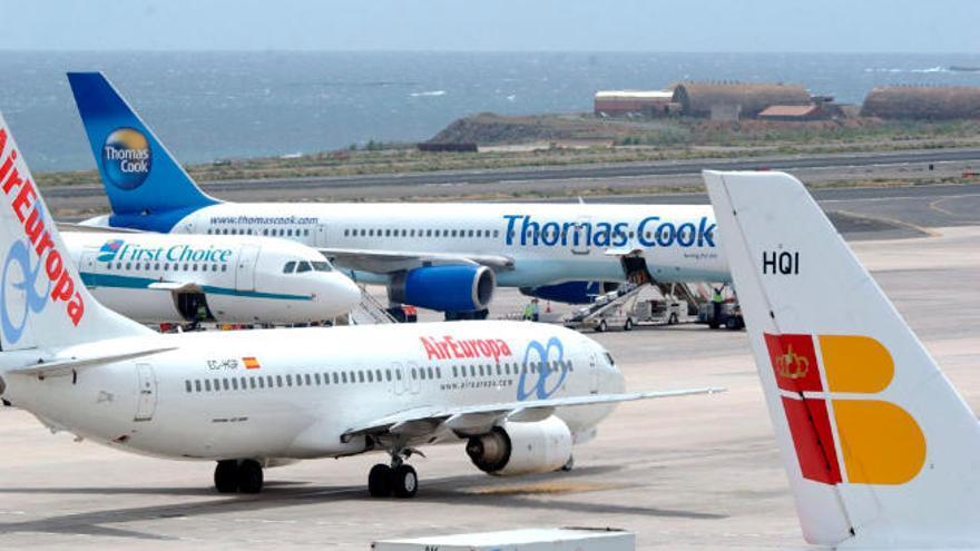 La 'aerolínea hotelera' se enfrenta de nuevo a las diferencias entre patronales