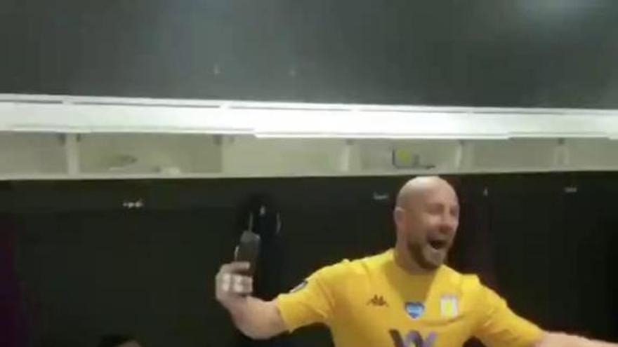 El baile viral de Pepe Reina celebrando la permanencia sobre la bocina del Aston Villa