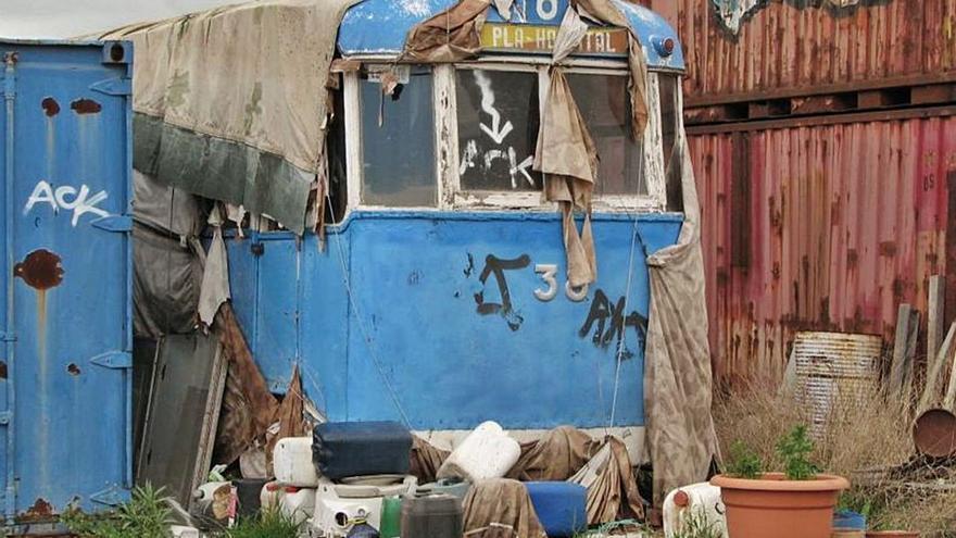 El bipartito negocia la compra del último tranvía azul para que sea un reclamo turístico