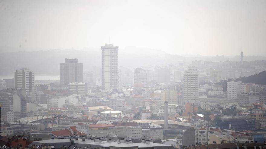 La niebla persiste en el litoral atlántico de Galicia