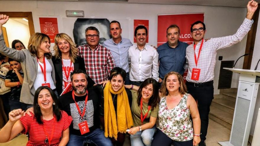 El PSOE descarta los pactos y decide gobernar en solitario