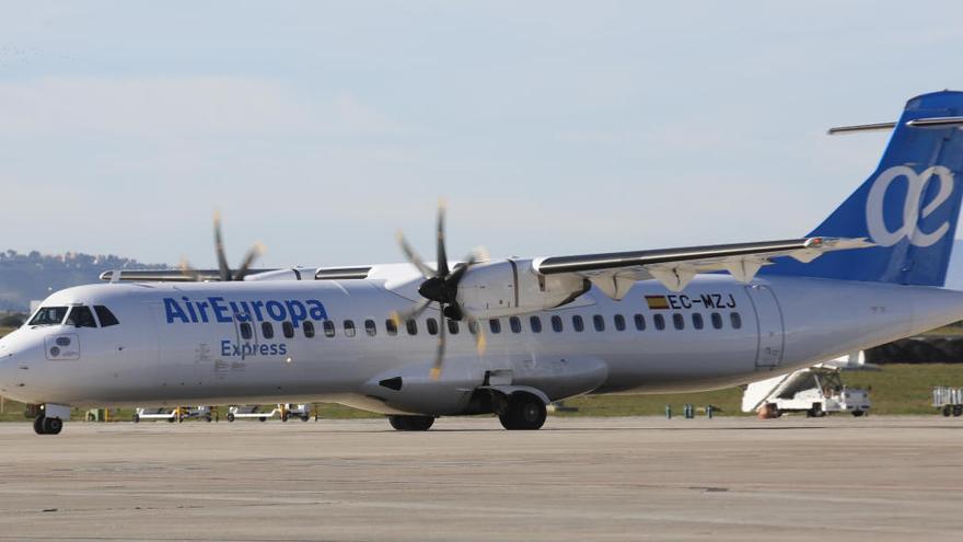 Denuncian a Iberia y Air Europa por no respetar las distancias necesarias