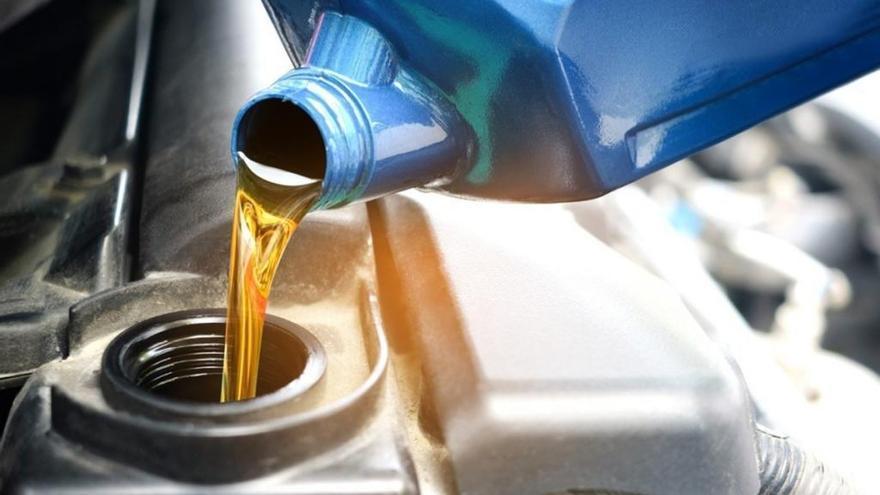 ¿Cuándo debemos cambiar el aceite del coche?