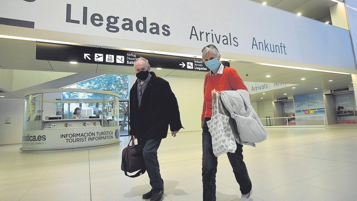 Primeros turistas británicos llegados a la Región en mayo
