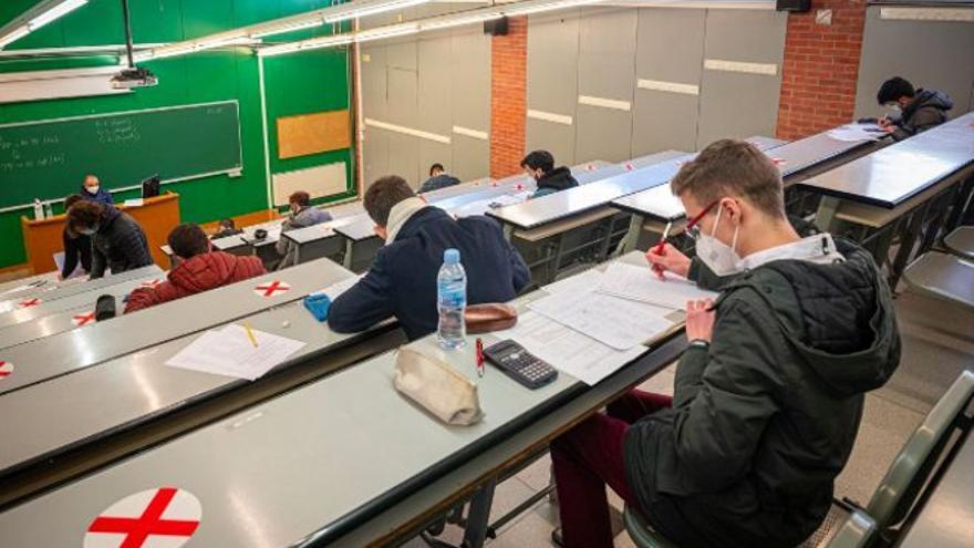 """Los rectores quieren presencialidad """"cuanto antes"""" en la universidad"""