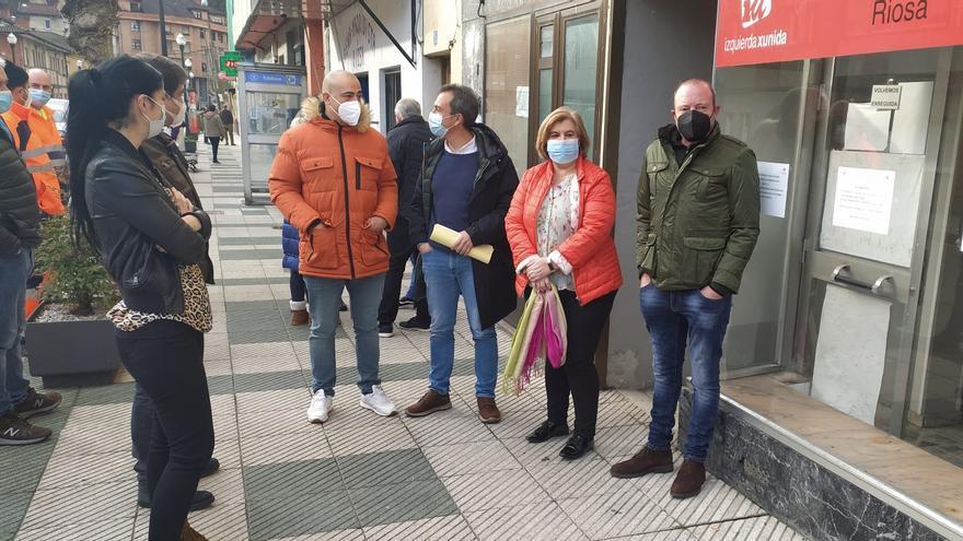 IU defiende a la alcaldesa de Riosa, a la que una concejala del PSOE acusa de prevaricación