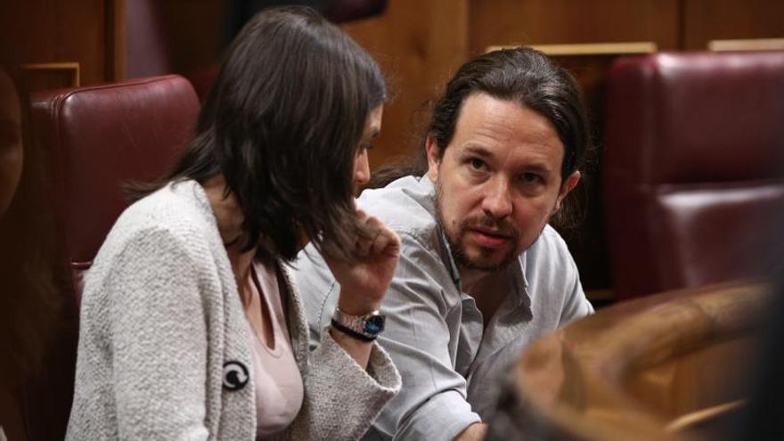 Iglesias i Montero preguntaran a les bases si han de dimitir per la compra de la casa