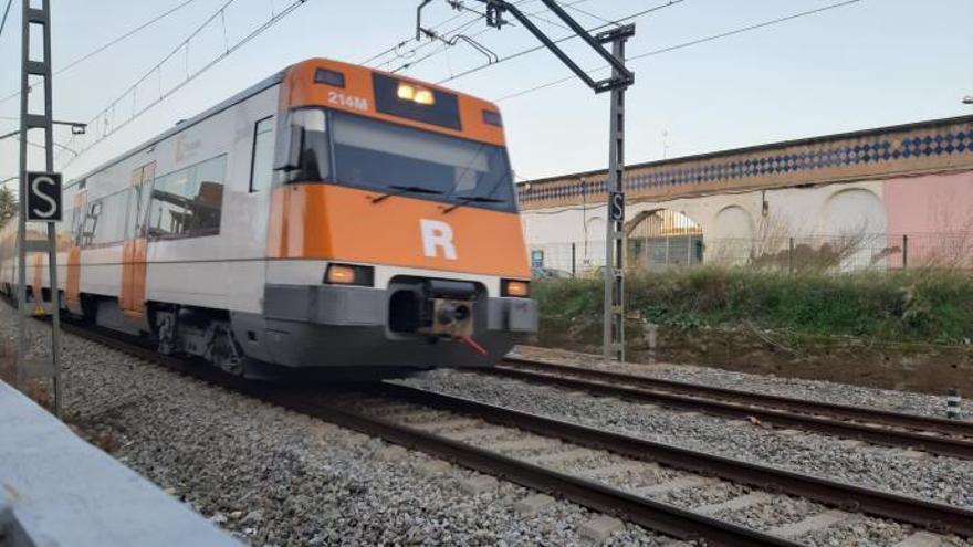 Renfe anuncia retards en un dels seus darrers trens Barcelona-Figueres