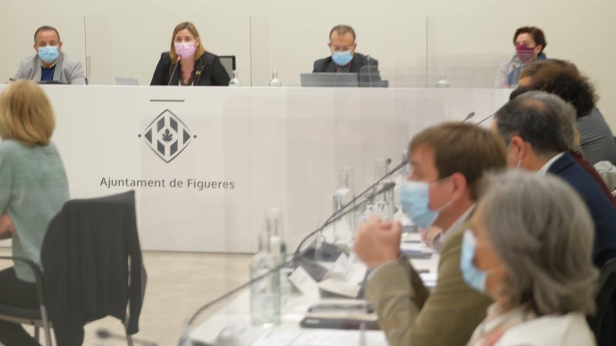 """L'oposició de Figueres ha votat """"no"""" als pressupostos."""