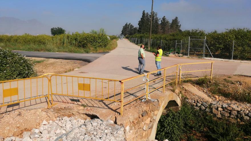 La Conselleria de Agricultura asfalta el camino de Millanares, las veredas de Don Fernando y Azarbe de Abanilla
