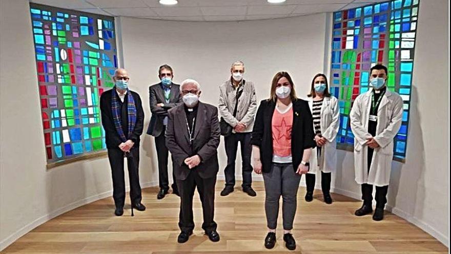 El bisbe beneeix la nova capella de l'hospital de Figueres