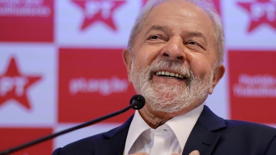 """Lula deja en el aire su candidatura y critica las """"tonterías"""" de Bolsonaro"""