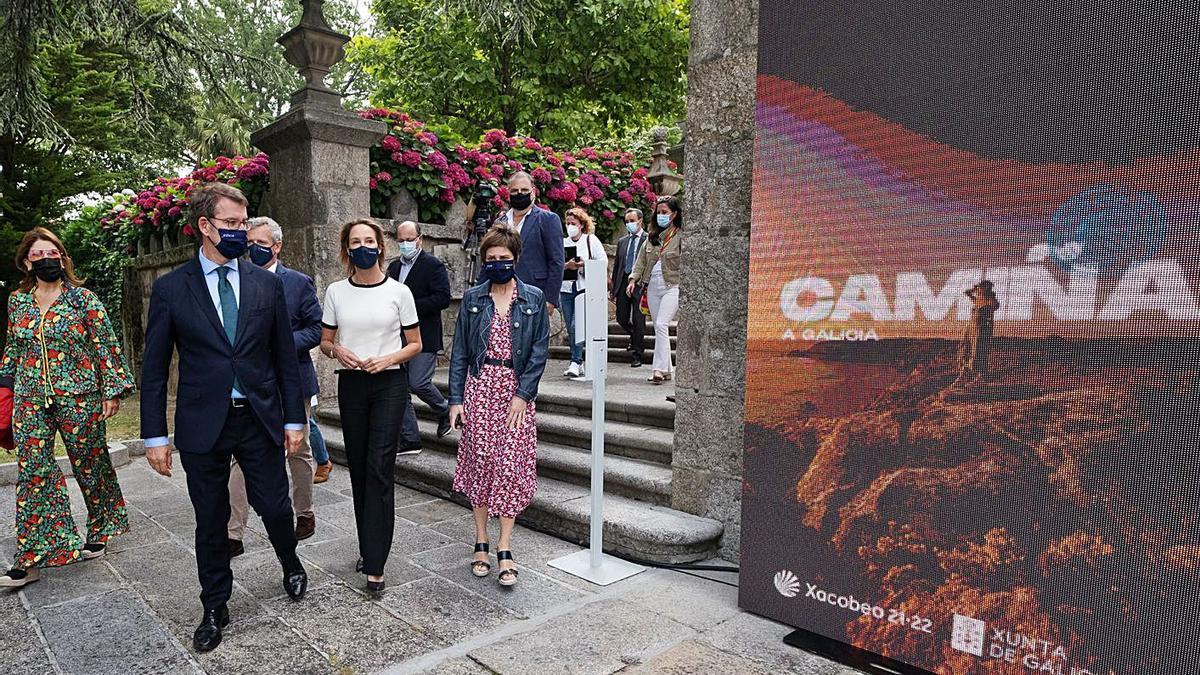 "Feijóo ayer, durante la presentación de la campaña ""Camiña a Galicia"", en Vigo.  // FDV"