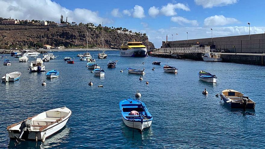 Curbelo ve más cerca de materializarse el puerto de Playa de Santiago