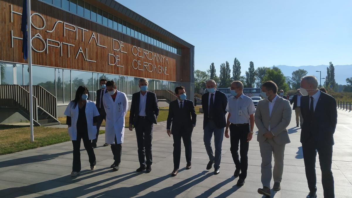 El president de la Generalitat Pere Aragonès a l'hospital de la Cerdanya