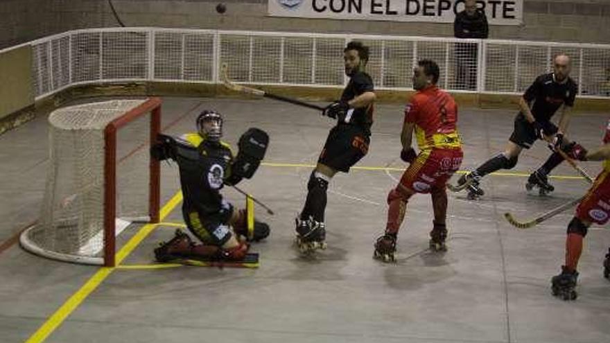 El Oviedo Booling, goleado (0-5) por el Manlleu de los Pujadas