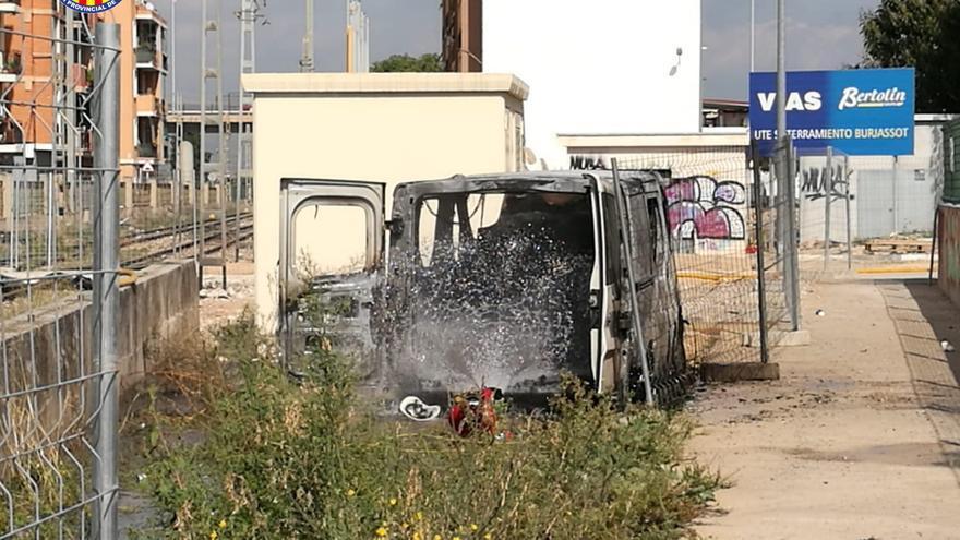 Herido un operario al incendiarse una furgoneta en València