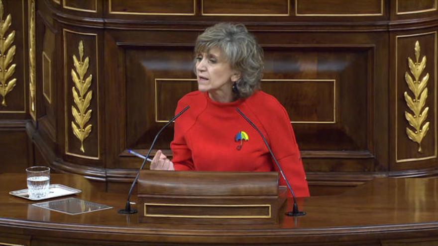 Aplausos a la exministra Carcedo por su vehemente y emocionada defensa de la ley de eutanasia