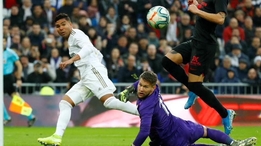 Casemiro derroca amb dos gols l'ordre del Sevilla
