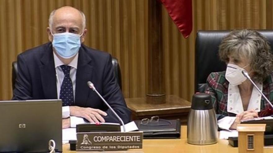 El Gobierno negocia nuevas cesiones de competencias a las comunidades autónomas
