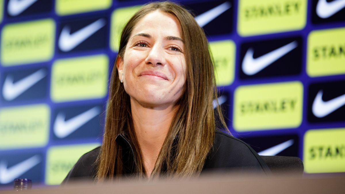 Vicky Losada durant la roda de premsa de comiat del Barça