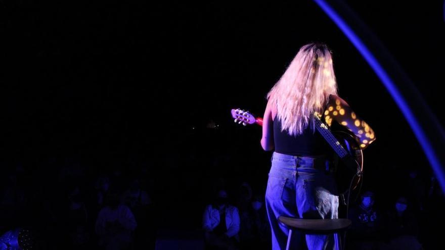 Sopa de Cabra i Suu omplen de música els escenaris en la segona nit de l'Acústica