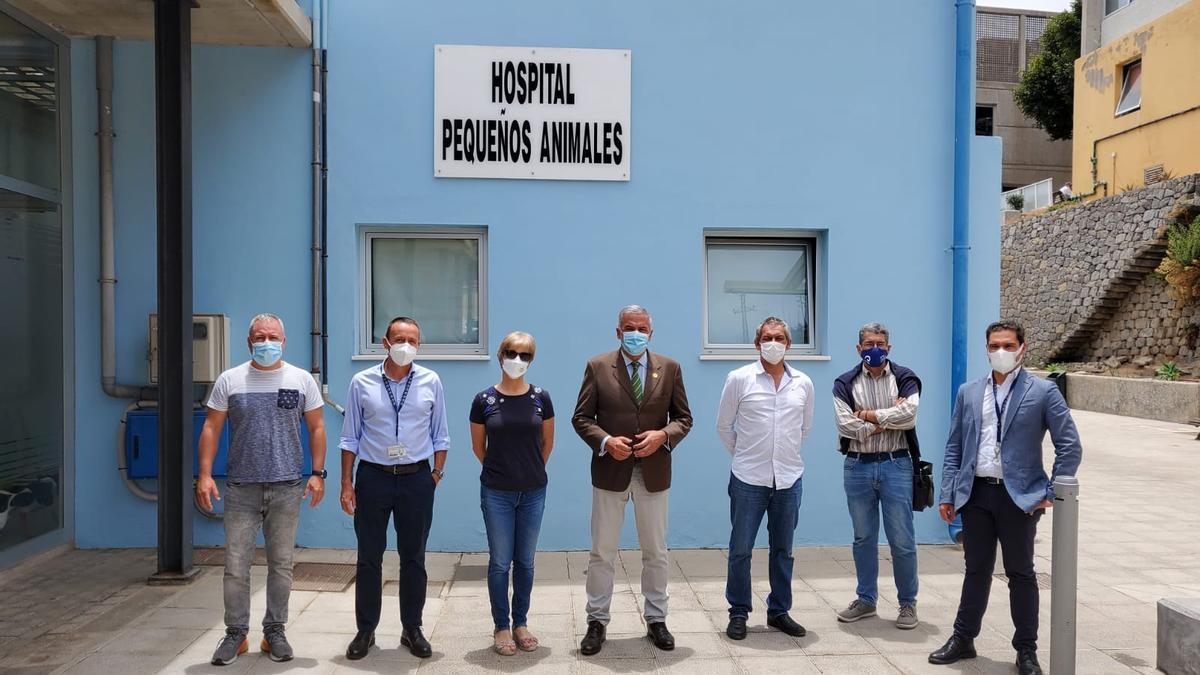 Visita del rector y la vicerrectora de Investigación a Veterinaria el pasado mes de junio.