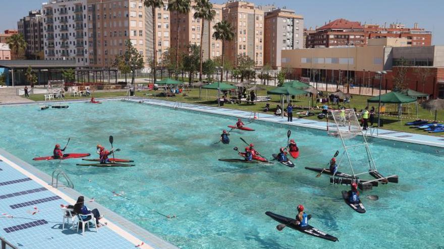 Plata para el Kayak Polo en aguas de Alaquàs