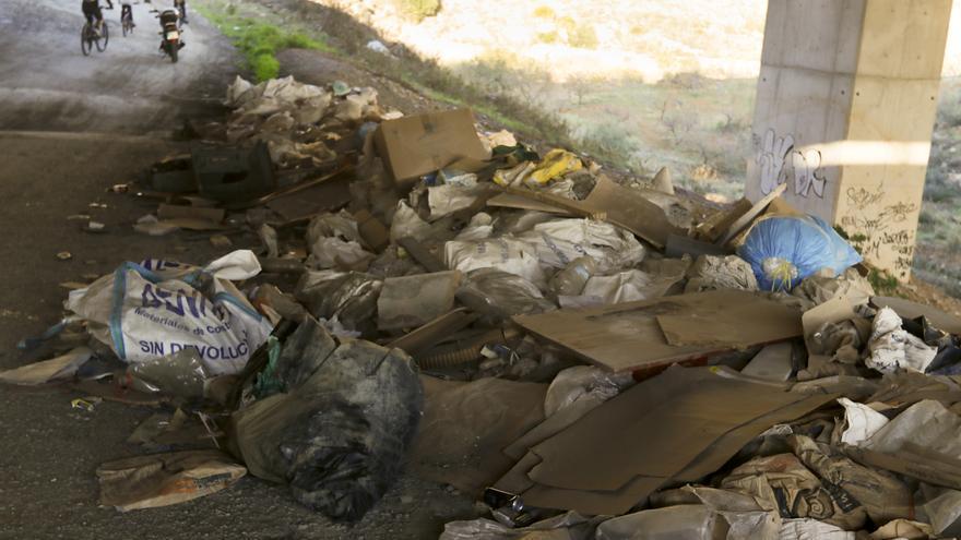 Málaga aprueba la contratación de la limpieza de los arroyos